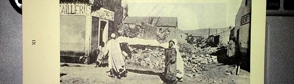 Isabelle Eberhardts Leichnam wird aus dem zerstörten Haus geborgen, 1904
