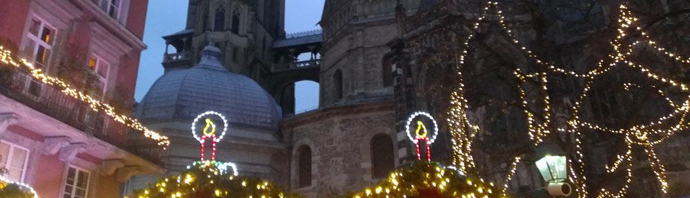 Weihnachtsmarkt in Aachen oeffnet seine Pforten